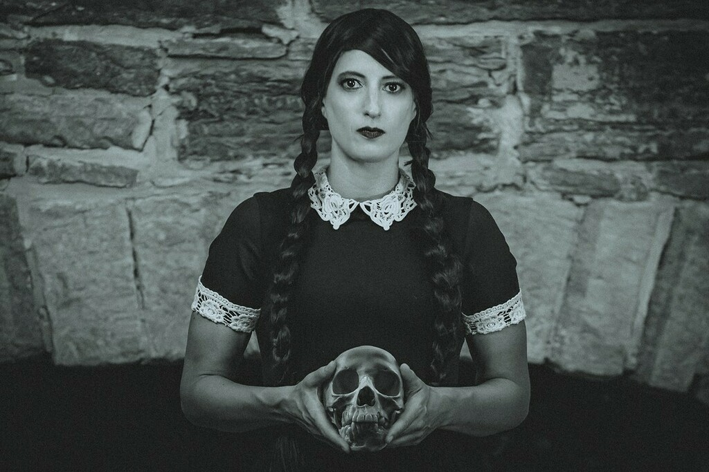 #WednesdayAddams from the #AddamsFamily by #cosplayer @theamazingjessie  📸Photographer @michaelandersonphotography.ca  . . . . #cosplay #sharemycosplay #wednesdayaddamscosplay #addamsfamilycosplay #blackandwhite #cosplaylove #cosplayfan https://t.co/Hj9rIUIOTJ https://t.co/YxKm3qSlYv
