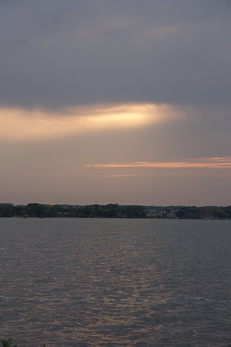 Sunrise photo from this morning. #sunrise #morning #lake https://t.co/dpw2TqXEus