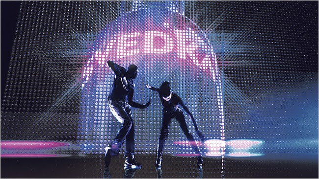 """Svedka Commercial Michael & Jackson 5 """"Dancing Machine"""" Remix (VIDEO): #DancingMachine #Jackson5 #MichaelJackson #Svedka #Vodka Automatic, Systematic Full of color, self-contained Tuned and gentle to your vibe Captivating, Stimulating She's such a sexy… https://t.co/G3wHbcHNr7 https://t.co/PJuveQfigi"""