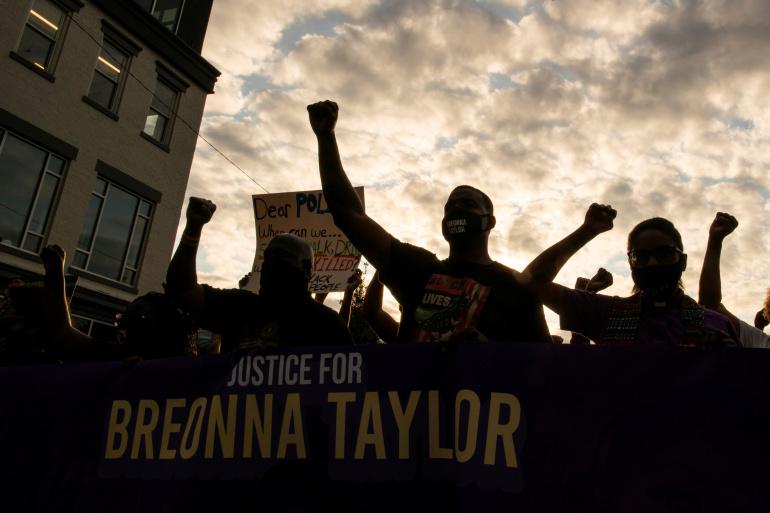 In Breonna Taylor's Louisville, anger fuels demand for change https://t.co/7a80FIEHXJ https://t.co/yhocVFezPf