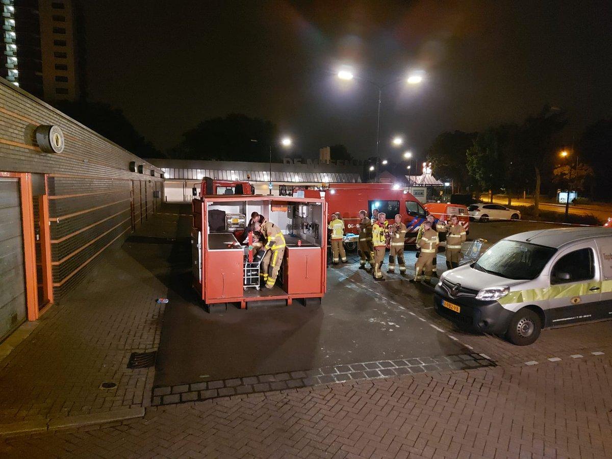 Afgelopen nacht zijn wij geallarmeerd voor een grote brand aan de Kalmoesstraat in Apeldoorn.