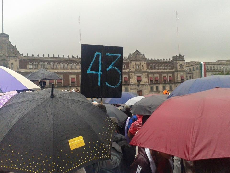 #HastaEncontrarlos jóvenes estudiantes de Ayotzinapa.    Ayotzi sigue, la lucha vive. https://t.co/nJ5yczHpvr