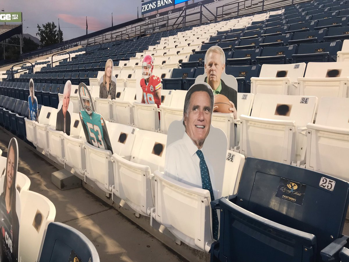 They got my casual Saturday night look just right at the @BYU game tonight. cc: @danielrainge #GoCougs