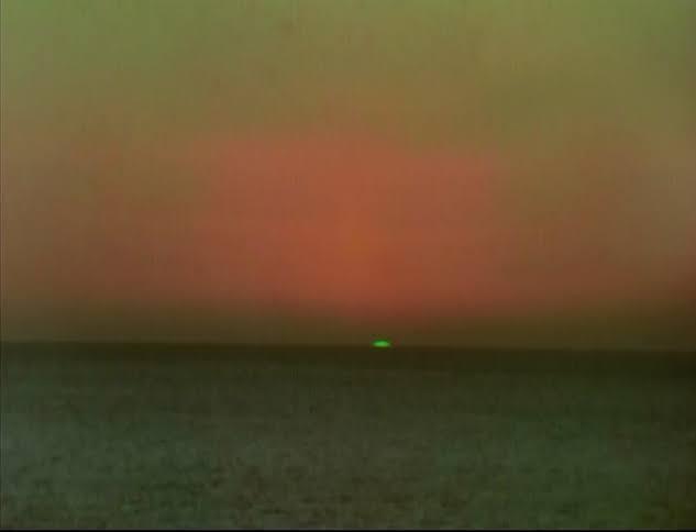 Éric Rohmer's 'Le Rayon Vert / The Green Ray' (1986)  and  @sergioandreola 's 'Le Rayon Jaune / The Yellow Ray'. (2020)  #sidebyside @sergioandreola 😉 https://t.co/v6ORBp0UrI
