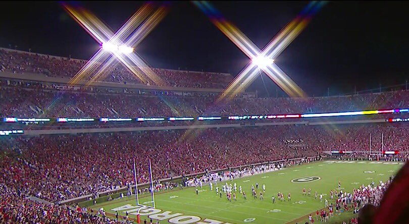 Next Saturday under the lights Between the Hedges!  #8 Auburn comes to the Classic City. https://t.co/820KYf6Lke