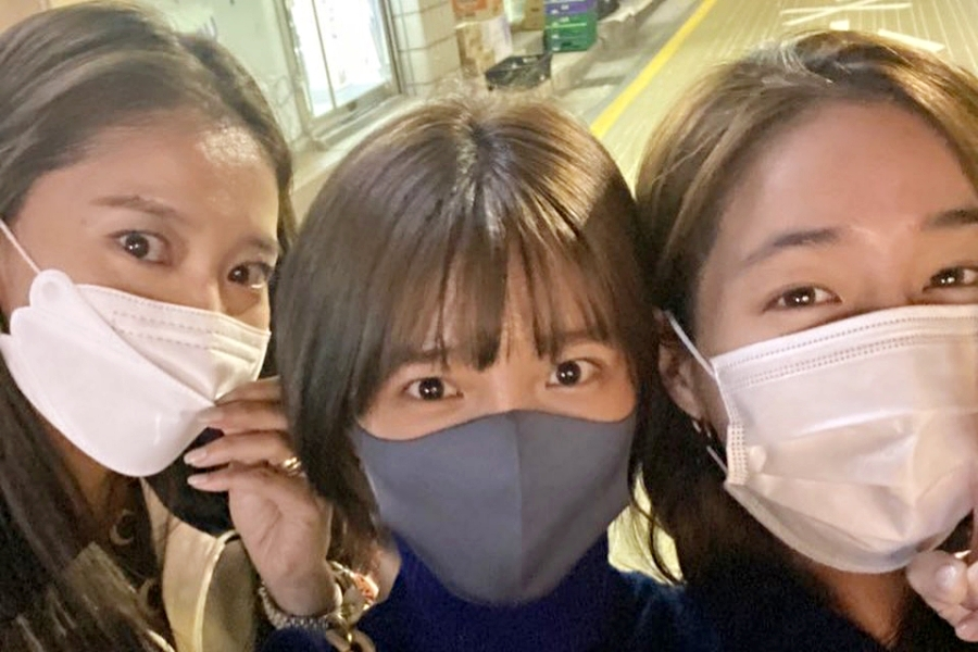 """#OnceAgain"" Sisters #LeeMinJung, #LeeChoHee, And #OhYoonAh Still Hang Out Even After End Of Drama https://t.co/XpbzcUZTqb https://t.co/NuMf9oGvSU"