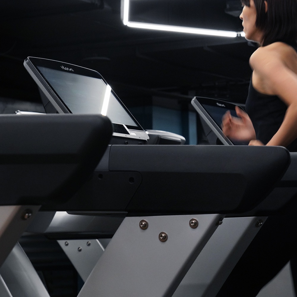 Located in upscale #Xinyi #TPE models, moguls, influencers, tastemakers and those looking to squeeze in a lunch hour training session swear by XareFit powered by @intenzafitness #cardio #howfitnessshouldfeel Intenza 550 e Series #treadmill #madeforrunners https://t.co/Estfh5WLZT