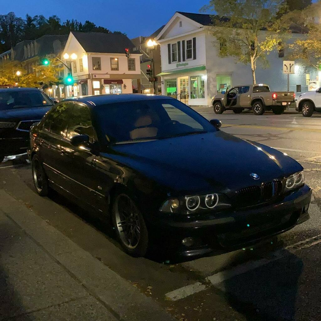Took the Rust bucket out 😅😅😅 —————————————————————————————— #e39m5 #bmwm5 #bmw #bmwusa #bmwe39 #bmwm5e39 #bmwm #bmwmlifestyle #s62b50 #e39ers  https://t.co/RJvAiEfhXY https://t.co/1BPTcg5sVa