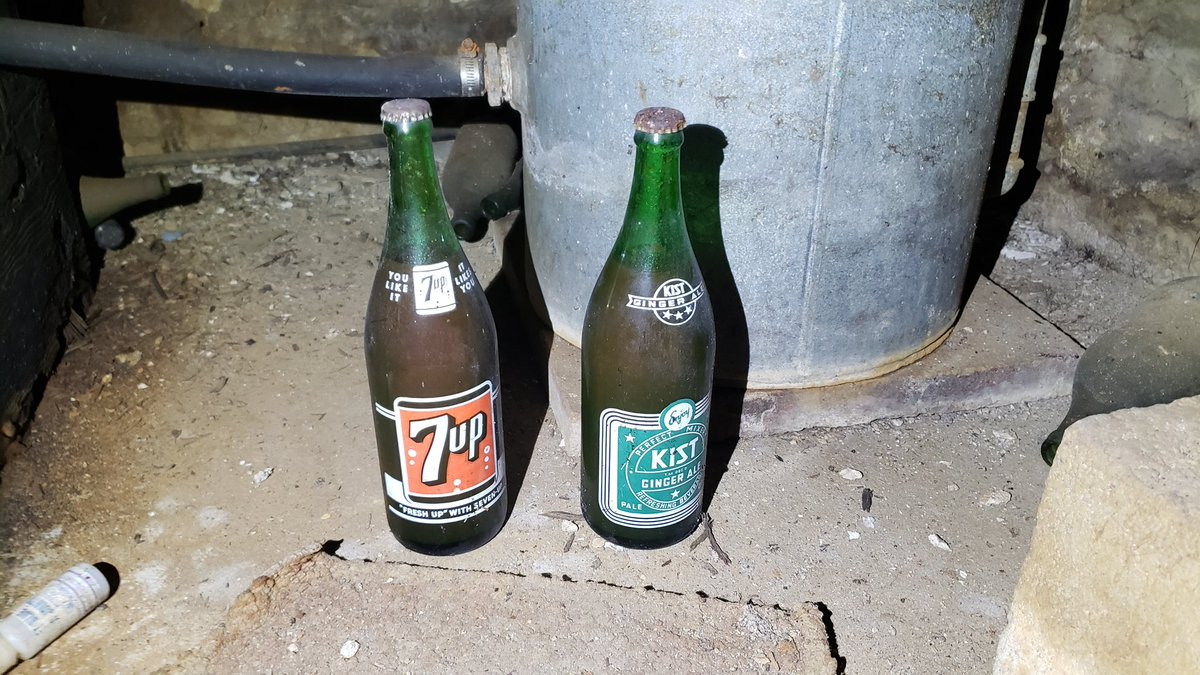 Anyone thirsty .... 🤣 .... look how old these bottles are , there unopened from what year do you think @7UP  and never heard of the other soda before #soda #pop #drink #drinks #AmongUs #screenshotsaturday #7up https://t.co/G7OOZNwLUx