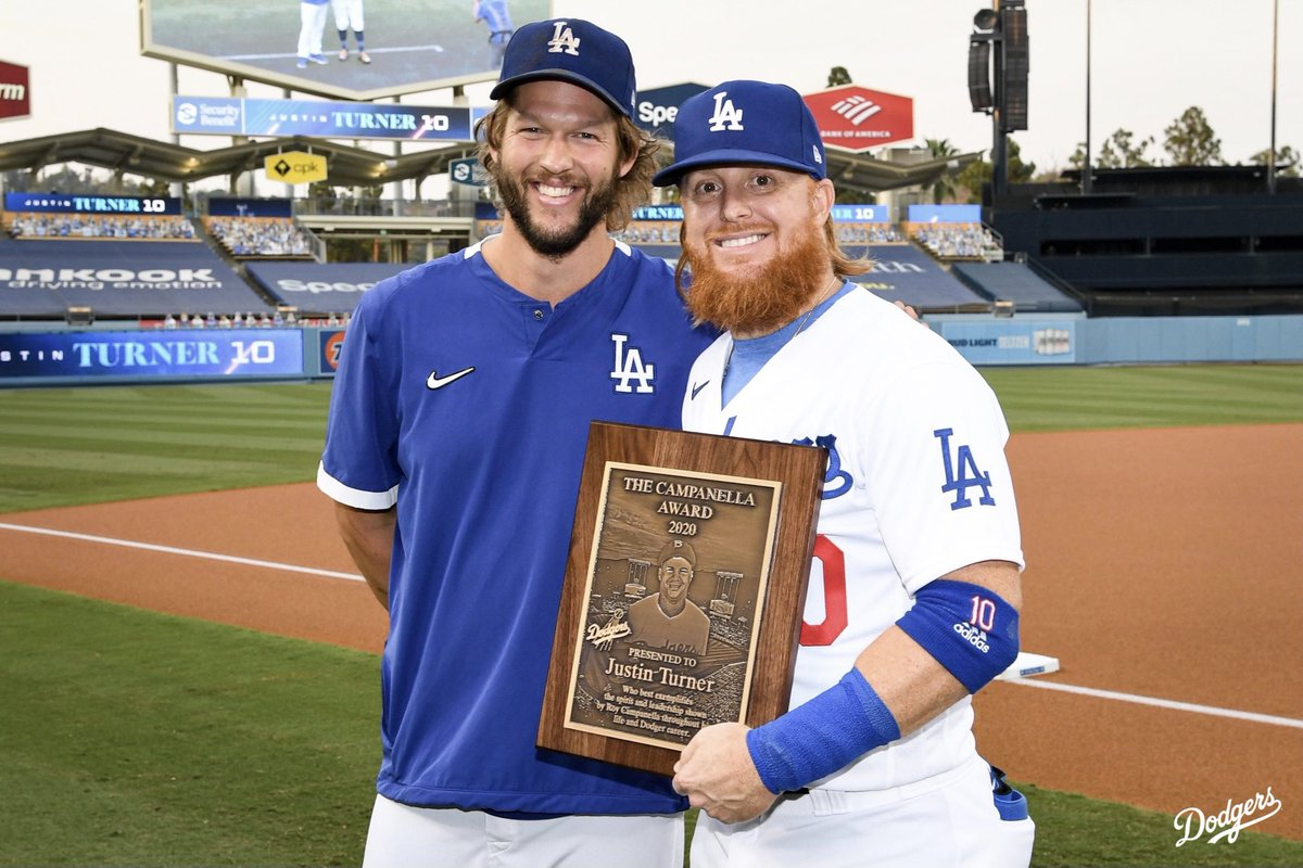 Prior to tonight's game, @ClaytonKersh22 presented @redturn2 with the Roy Campanella Award. The award goes to the Dodger player who best exemplifies the spirit and leadership of the Hall of Fame catcher. Congrats, JT! https://t.co/CMpt7mDcvp