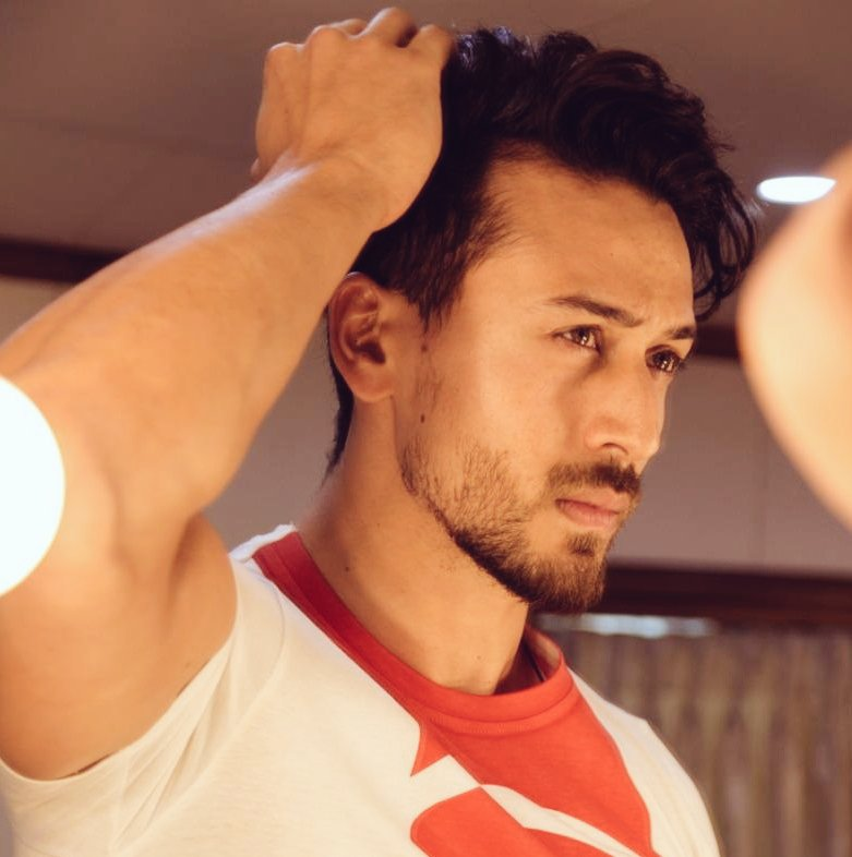 """Allow your enemies their space to hate, they will destroy themselves in the process."" . . . #TigerShroff #MotivationalQuotes https://t.co/K9etRMXK0r"