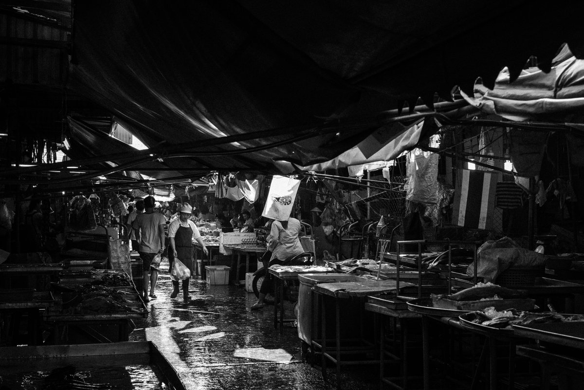 Just finished a new photo series on some of the lesser visited parts of Bangkok and the people who live there. Check it out on Vocal. #travelphotography #streetphotography #blackandwhite #bangkok #thailand https://t.co/smkmxz8Qa3 https://t.co/zdEHrpIhDf
