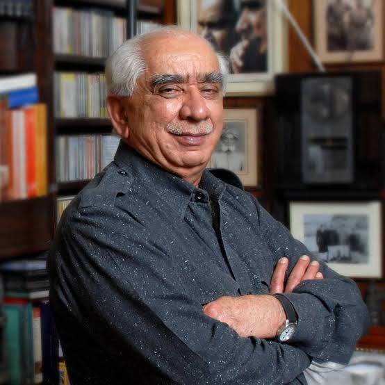 Deeply pained by the passing away of veteran @BJP4India leader & former Union Minister Sri #JaswantSingh Ji.  He will forever be remembered for his immense contribution towards nation building.  My condolences to his family & friends, may his soul attain sadgati. #OmShanti https://t.co/RzTYZjVNoU