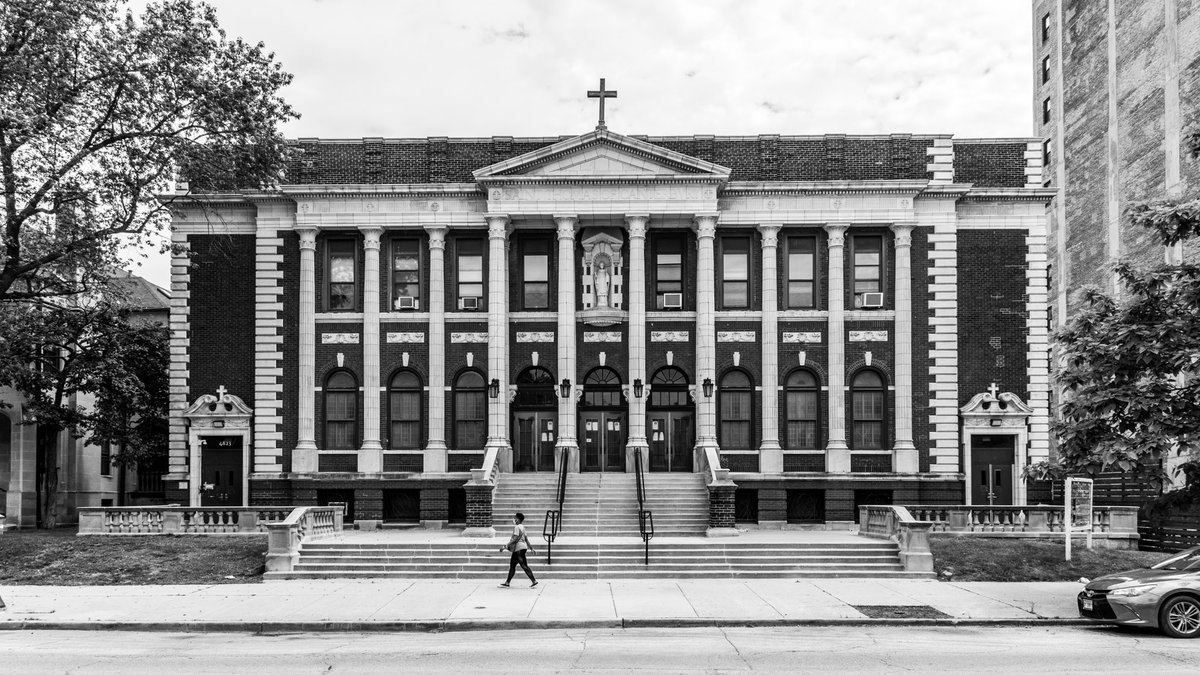 I take THOUSANDS of pictures, but never know what to post.  Maybe I need Jesus.  (See what I did there?) https://t.co/qaVYrgP2qS. #church #architecture #chicago #uptown #uptownchicago #blackandwhite #streetphotography #kevinklimaphoto #igerschicago https://t.co/ktaklzcaJz