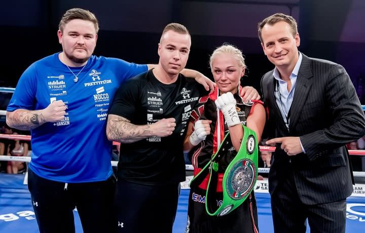 #Boxing Dina Thorslund (15-0) defended her WBO super bantamweight world title without difficulty. It was a victory by UD against the Serbian Nina Radovanovic (14-4): 100-89 x2, 100-90. Will @Rachel_Ball_ be her next rival? https://t.co/omqZMa9G6v