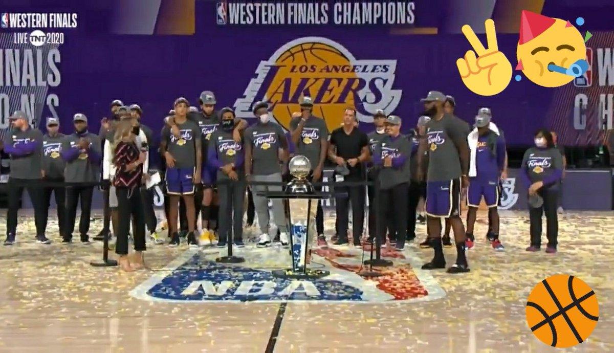 ...Tic tac... ...Tic tac... #Nba #Lakers #Champions #LeBronJames #KobeBryant https://t.co/CHEtFf7ppz