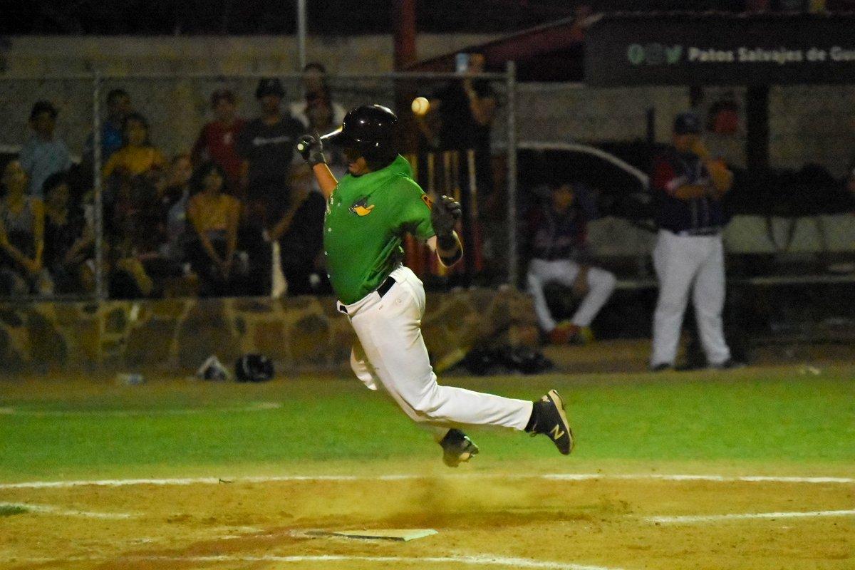 Base por golpe 🦆⚾️  #Nikon #photographysport #Patos #Salvajes #Golpe #Guaymas #Sigma #Ouch #Beisbol #Baseball #Sonora #Mexico #covid_19 https://t.co/52mNLXfwE8