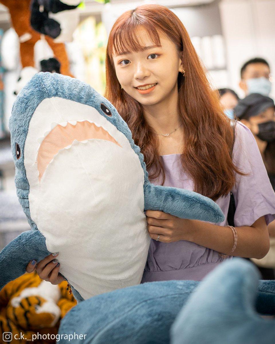 如果沒有鯊鯊 抱你也不是不行啦~ 🗺IKEA Taoyuan, Taiwan ⌚2020/8/25 #sony #sonytaiwan #sonyalpha #photography #攝影 #写真 #photoart #photodaily #travelblog #tourism #traveltheworld #taiwan #台灣 #臺灣 #台湾 #model #IKEA #girl #cute #smile #宜家 #人像 #正妹 #男友視角 #可愛 #妹子 https://t.co/dJLMIuCotw