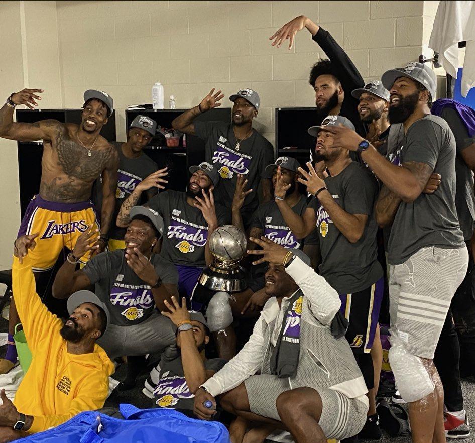 Los #Lakers de #LosAngeles de la mano de LeBRON James, Anthony Davis, Howard, Rondo, Green y compañía son Campeones de la Conferencia del Este 2020🏆haciéndole un gran homenaje a la leyenda, #Kobe Bryan 🙌🏽  #NBAWesterFinalsChampions #NBA #LakeShow  #Champions  #NBAPlayoffs https://t.co/lkv4wylxjV