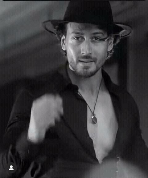 WHENEVER YOU SEE A Successful Person  You only see the public glories, Never see the private sacrifices  To reach them. . . . ~ #TigerShroff  @iTIGERSHROFF ❤💖 #SundayThoughts  #SundayMotivation  #GoodMorningTwitterWorld https://t.co/g5wHbayA2X