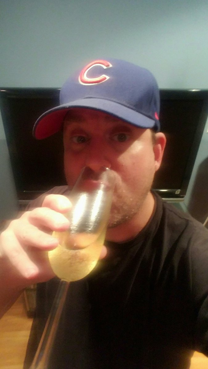 Your Chicago Cubs 2020 Central Division Champions. Poppin bottles 🍾🍾🍾🍾⚾️💙 #Congratulations #ChicagoCubs #cubsbaseball #CubsMoment #MLBPlayOffs #MLB #Baseball #NorthSide #Wrigley #FlyTheW #Cubs #winning #GoCubsGo #GoCubs  #ChicagoHistory #chicagoIL #Chicago #CHICAGOLAND https://t.co/xQpaRbtfN4