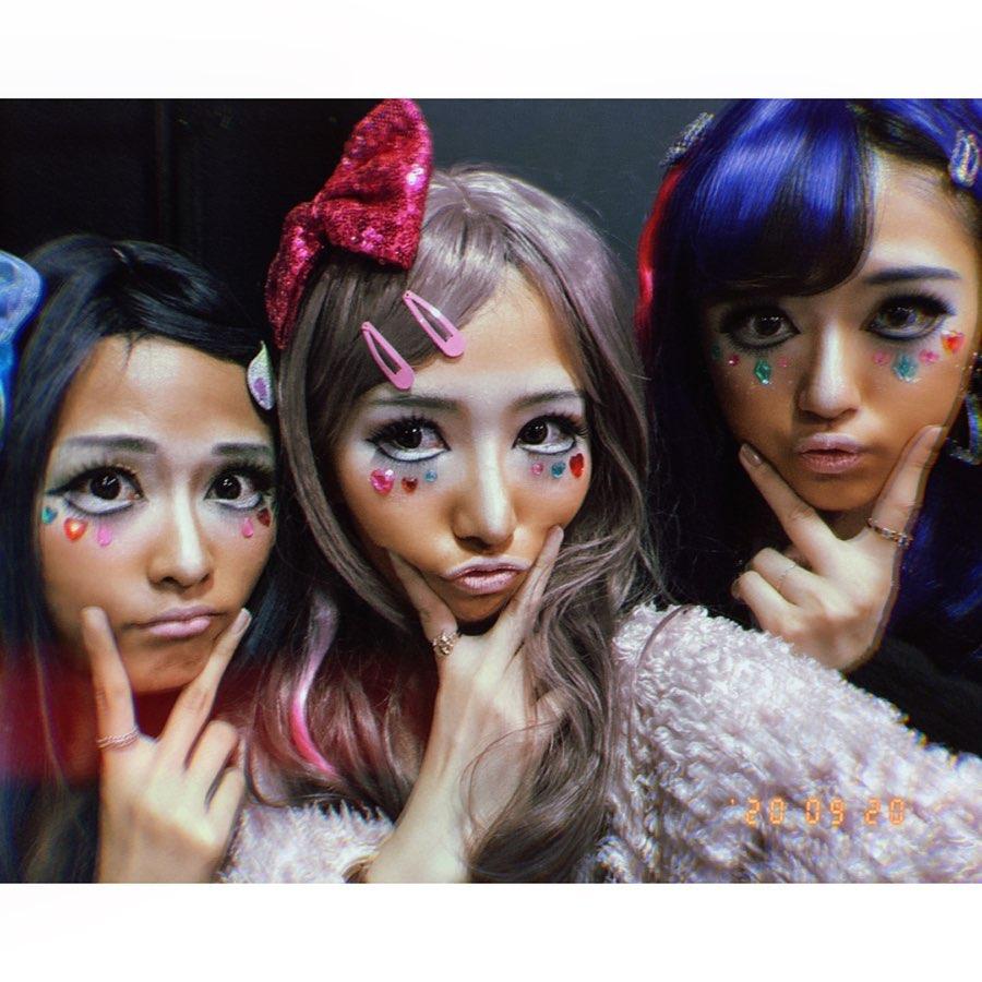 mayumo7_akb48teamtp  哈囉我們是101辣妹❤️❤️ マンバギャルってやつです🤟 . #AKB48TeamTP #AKB48 #台湾 #taiwan 猜拳大會 變裝  #劉語晴 #林倢 #蔡伊柔 #藤井麻由 https://t.co/X8GUWaCivZ