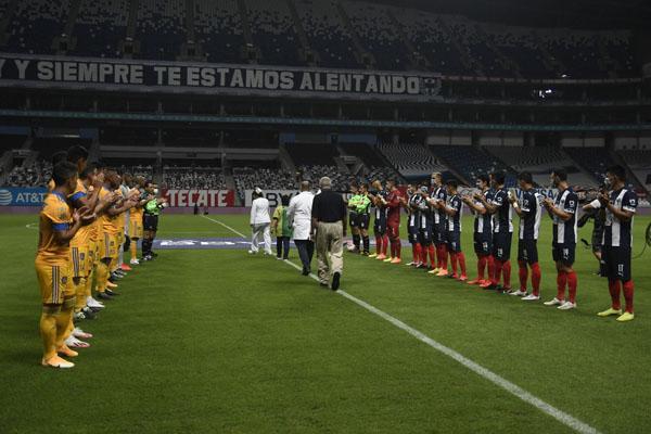 @TigresOficial se impuso a @Rayados en el #ClasicoRegio  https://t.co/iZHHN6Dzrc   🐯⚽💪👊🇫🇮  #TigresVsRayados #ArribaElMonterrey #EstoEsTigres https://t.co/pRyw8XQ7jW