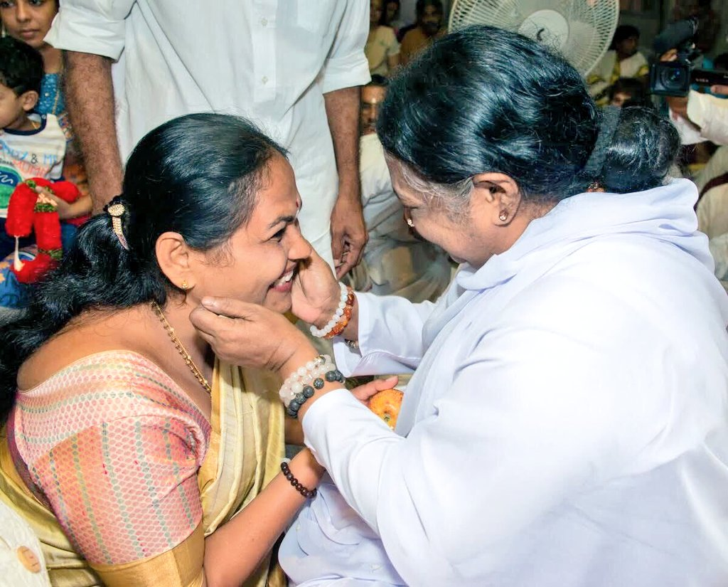 Through Manav Seva Amma is inspiring millions towards Madhav Seva.  With her devine hug she has personified universal motherhood & become Amma of crores of devotees across the globe!  Birthday Wishes to Mata @Amritanandamayi Devi, Keep guiding us in the path of spirituality! https://t.co/eR0lLwFuss