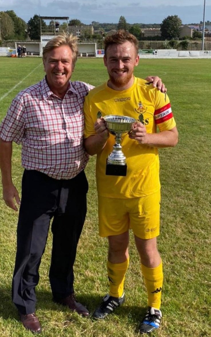 Today's @FlWessex show with @CliffPledge @sholingfcsec @voicefmradio 15:00-17:00  Studio guest will be @SydWessex Chairman Nick Spencer phone guests guests at 3:20 @billy_walker14 @ChristchurchFC_ Capt 4:00 @BigSus1975 @BemertonHeathFC 4:20 @farehamtownfc Pete Stiles https://t.co/13YhkUK1kK