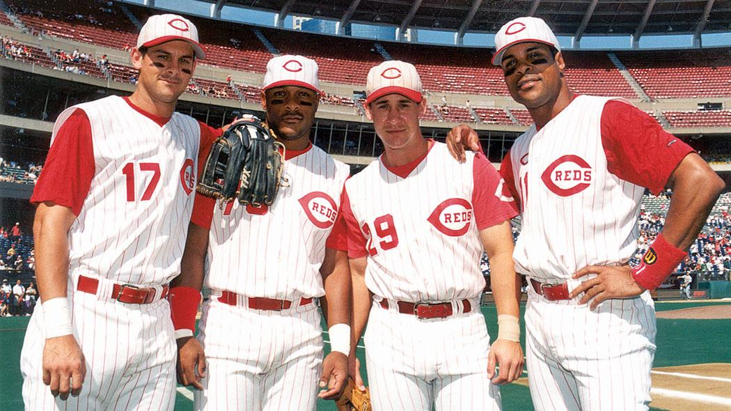 September 27, 1998: Cincinnati becomes the first team to ever have two sets of brothers in the lineup with an all Larkin/Boone infield.  ⚾️ SS Barry Larkin ⚾️ 1B Stephen Larkin ⚾️ 2B Bret Boone ⚾️ 3B Aaron Boone  #RedsVault https://t.co/N1gj52FY6N