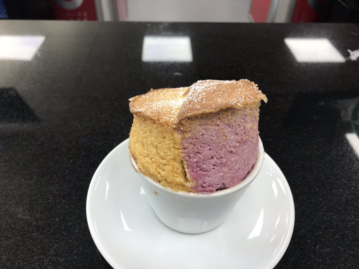 Mango & raspberry soufflé, chocolate soufflé, pudding soufflé San souci, Oeuf a la neige our LV3 patisserie students are back in the CCA kitchen and on point! Well done everyone #souffle #patisserie #Students https://t.co/FPXcV1dnaw