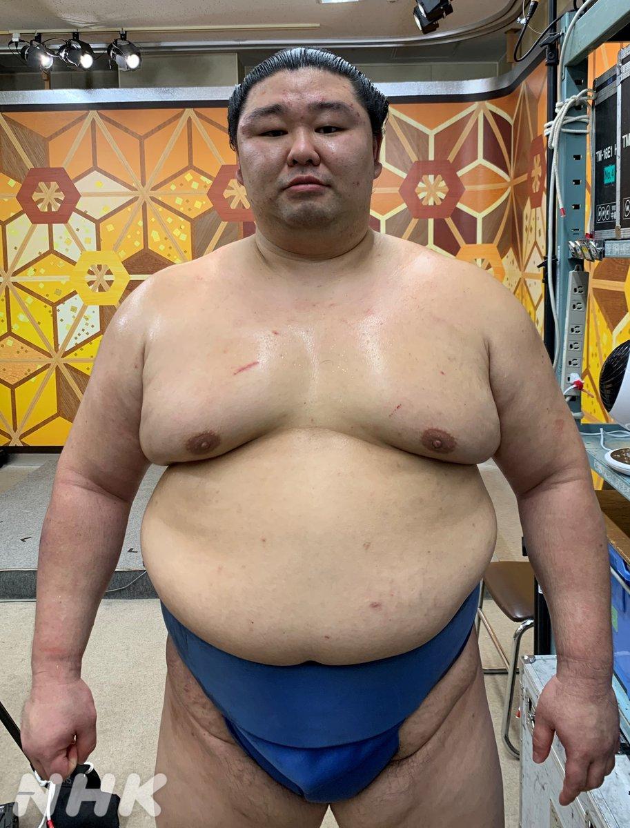 【念願の初優勝!】熊本県出身力士として初の優勝を果たした #正代「相撲人生で1番緊張した よく体が反応してくれた 初場所と先場所で 優勝を逃した経験が 今場所にいきた」「地元熊本の応援が力になった 両親に感謝したい」優勝の瞬間はこちらで!↓↓