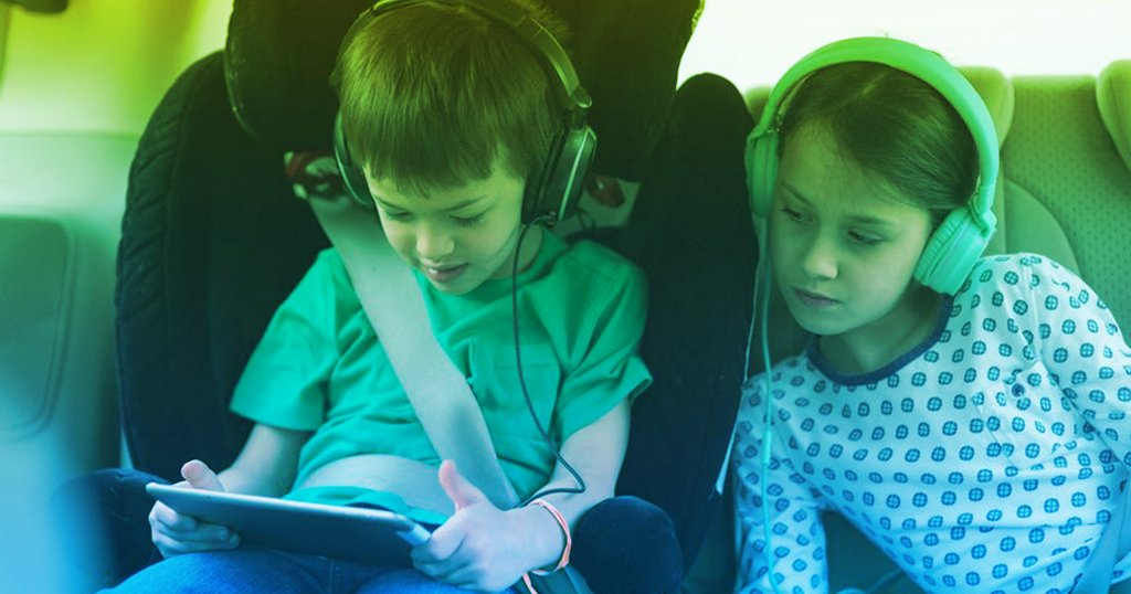 The best gadgets and tech for traveling with kids
