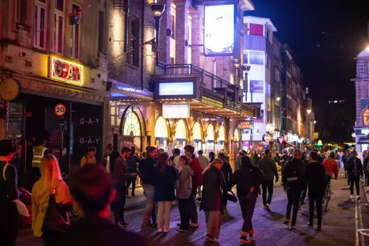 Read my latest piece on #UKHospitality #nightlife    Huge crowds spill out of #pubs as 10pm #curfew see Brits 'partying' in UK streets What did you expect would happen when you close every single venue at the same time?  https://t.co/kMVQgWGMVo https://t.co/cqUVjzBKu4