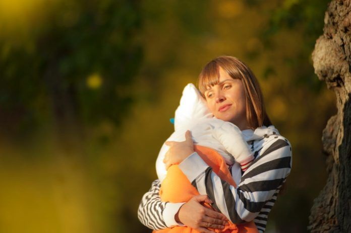To the mother who feels like giving up… don't! https://t.co/uFcOLgx60l #motherhood https://t.co/0ar8Bjw2fV