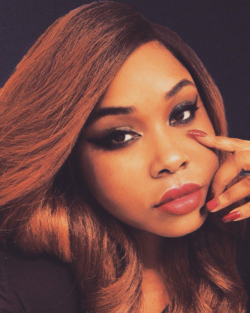 #beauty #makeupartist #makeup #eyeliner #lashes #lashesonlashes #model #BlackLivesMatter #blackmodel #BeautyAndTheBoss #beautygirl #GorgeousEver #Gorgeous https://t.co/B22vLMCHvD