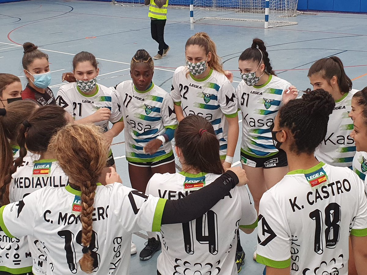 STREAMING DHPF 🟢 | J1 @RFEBalonmano  ⏱️Descanso @BMGetasur 11 🆚 11 @iKasaBMMADRID   #valor 💚💪 https://t.co/YZxugpRQ5h