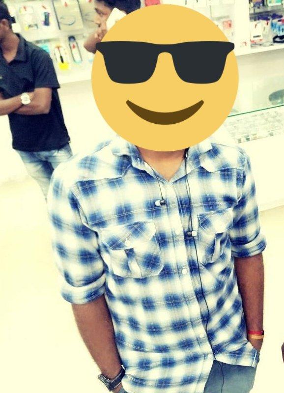 என்னோட Shirt பாத்து தான் ரெண்டு பேரும் Copy அடிச்சிருக்காங்க  #Valimai #Thala #ThalaAjith #AjithKumar https://t.co/hfbnKldFeO https://t.co/ZaWg8704n9