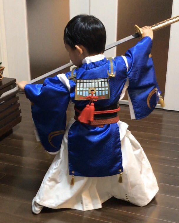 息子5歳。将来の夢は竜斗さんみたいなかっこいい忍者と三日月宗近になること。すでに3年近くブレてない。
