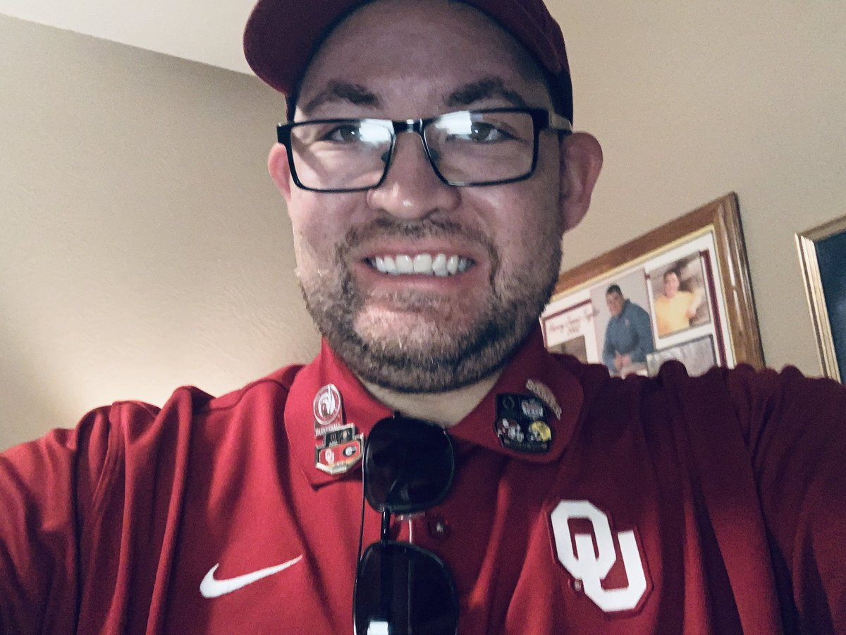 @ESPNRadio @PeterBurnsESPN @Katie_George05 Ok Peter/Katie my alma-mater and lifetime college football team didn't win yesterday but I'm still gonna rep me some #SchoolColors  #CrimsomAndCream #BoomerSooner And atleast I get to listen to #BeatWeekEver love the show https://t.co/OJcZtnOZ6Q