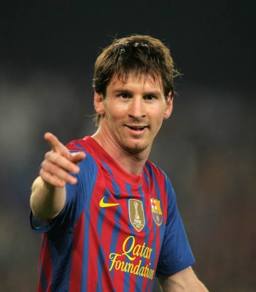 Most non-PK goals since 09/10: All Comps   09/10: Messi 🇦🇷 (45) 10/11: Messi 🇦🇷 (48) 11/12: Messi 🇦🇷 (59) 12/13: Messi 🇦🇷 (55) 13/14: CR7 🇵🇹 (41) 14/15: Messi 🇦🇷 (52) 15/16: Suarez 🇺🇾 (55) 16/17: Messi 🇦🇷 (45) 17/18: Salah 🇪🇬 (43) 18/19: Messi 🇦🇷 (46) 19/20: Lewa 🇵🇱 (48) https://t.co/xpHrtpbhkQ