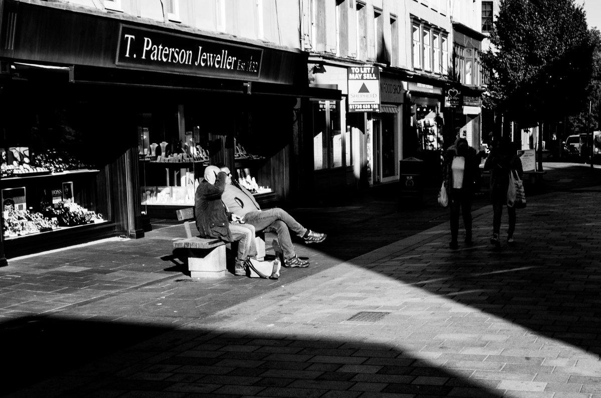 Sunny ere  #photography #PHOTOS #blackandwhite #bnwphotography #bnw #photography #streetphotography #urbanphotography #streetphoto #ThePhotoHour #shadows https://t.co/WLk0hldDAx