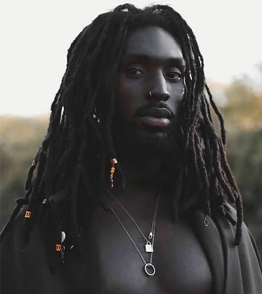 Sunday vibe. 👑 ▪︎Photo: @alphacamara.c #TajiMag #Melanin #BlackCulture #AfricanCulture #BlackOwned #makeupforblackwomen #africanfashion #melaninrich #melaninglow #blackmenarebeautiful #blackmenarekings #menwithlocs #beautifulblackmen #alphablackmen #… https://t.co/iO8d5Efnqu https://t.co/eOg199066a