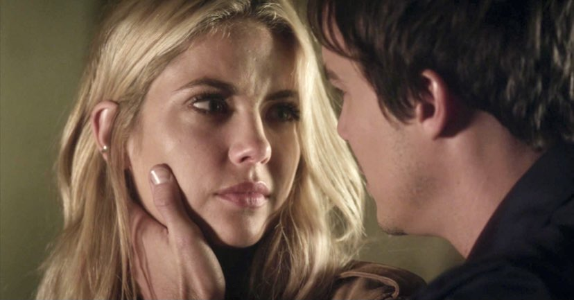 """I never stopped loving you.""  That EMOTION 👏😭  #haleb #PLL https://t.co/2NBE7usRmJ"