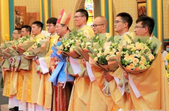 #China: Eight new priests for Diocese of Beijing   https://t.co/pPUfQMQhdO https://t.co/zglVUo0K27