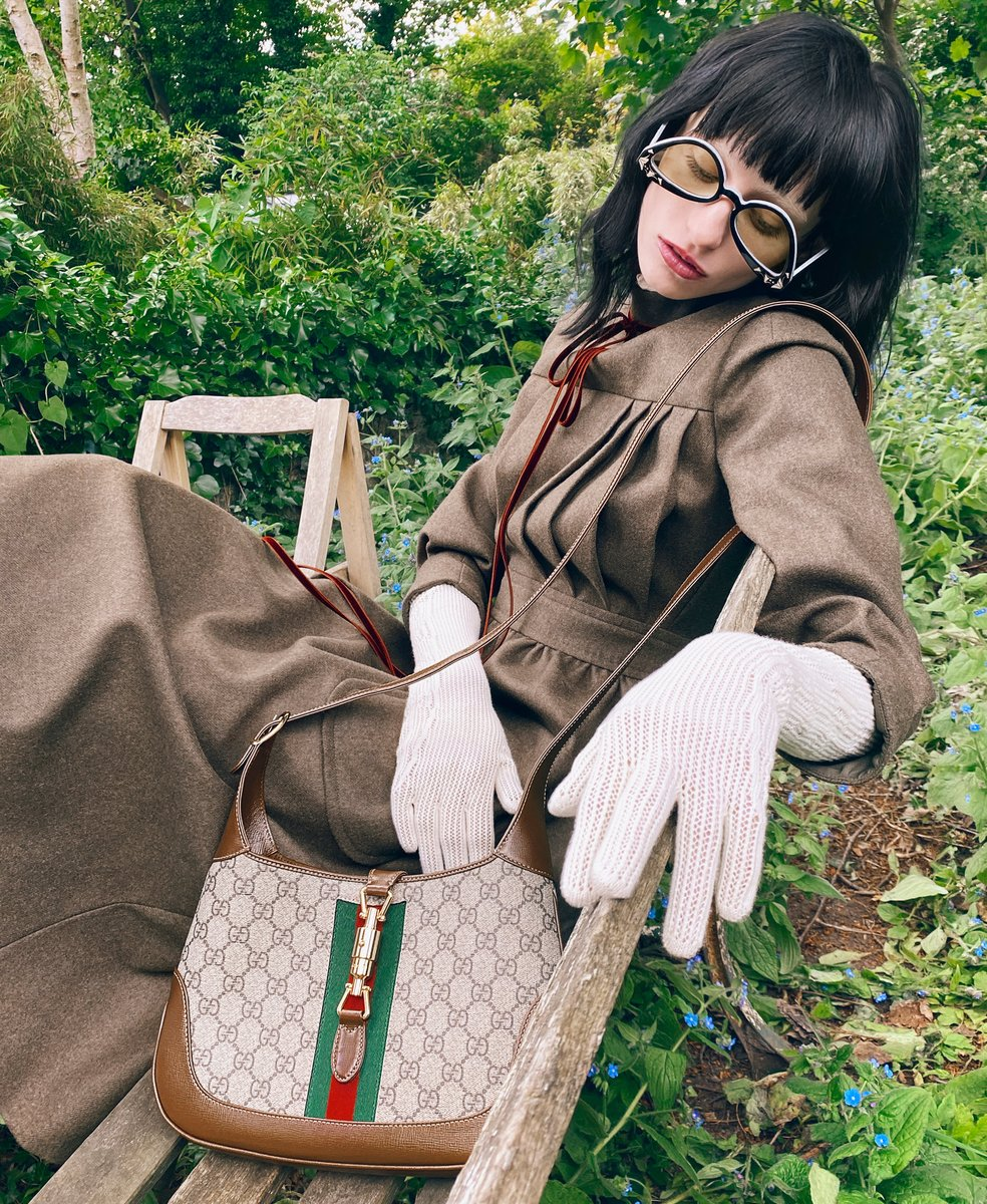 The Gucci Autumn Winter 2020 collection, including the Jackie 1961 handbag, is now available at Gucci. #GucciFW20 https://t.co/VCHygrNQ0M