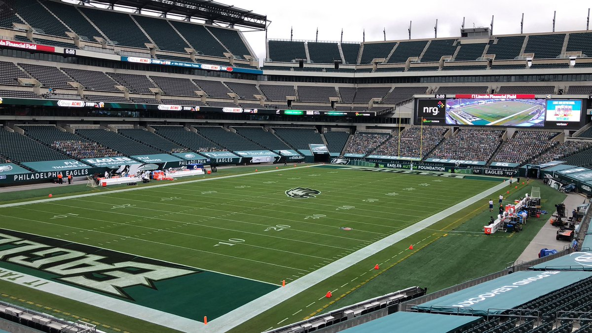 Two key defensive linemen expected to give it a go today here at the Linc: The #Eagles' Fletcher Cox and the #Bengals' Mike Daniels. https://t.co/DMjjpPk2hy