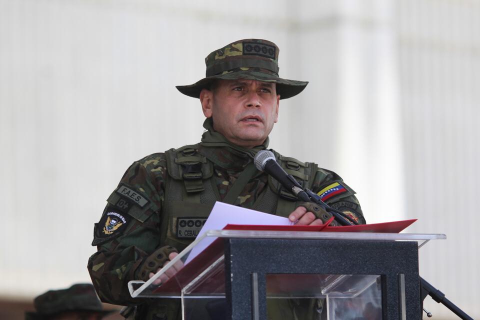 """Comandante Estratégico Operacional de la #FANB, AJ @CeballosIchaso:   """"El objetivo es atacar con sanciones para desmoralizar al pueblo, pero aquí seguimos de pie"""".  #VamosVenciendoAlCovid19 #27Sep https://t.co/lKABYL7dwE"""