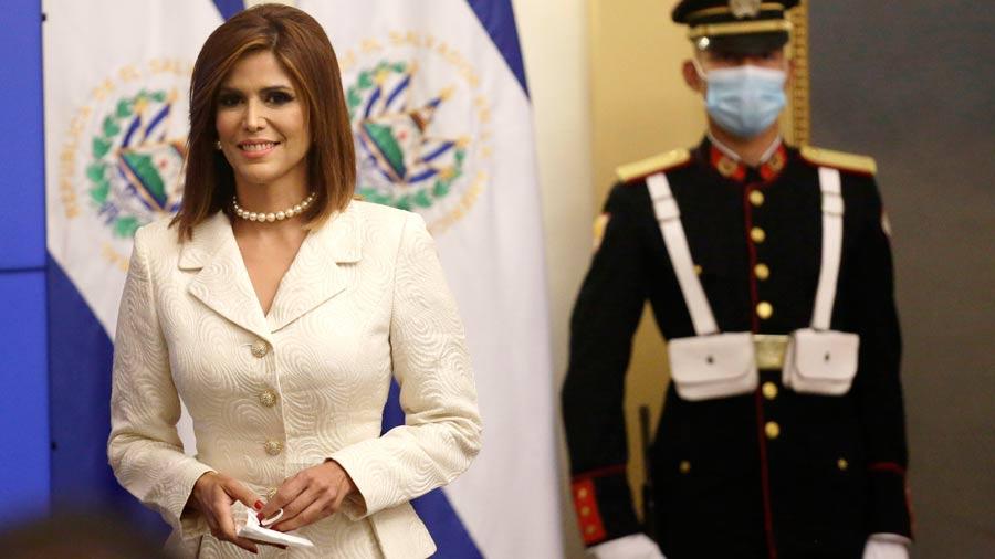 "#Noticias #Nacional Milena Mayorga dice que ""Dios le confirió"" embajada  👉 https://t.co/8UPbgp5MDO https://t.co/2hbTGjQr6w"