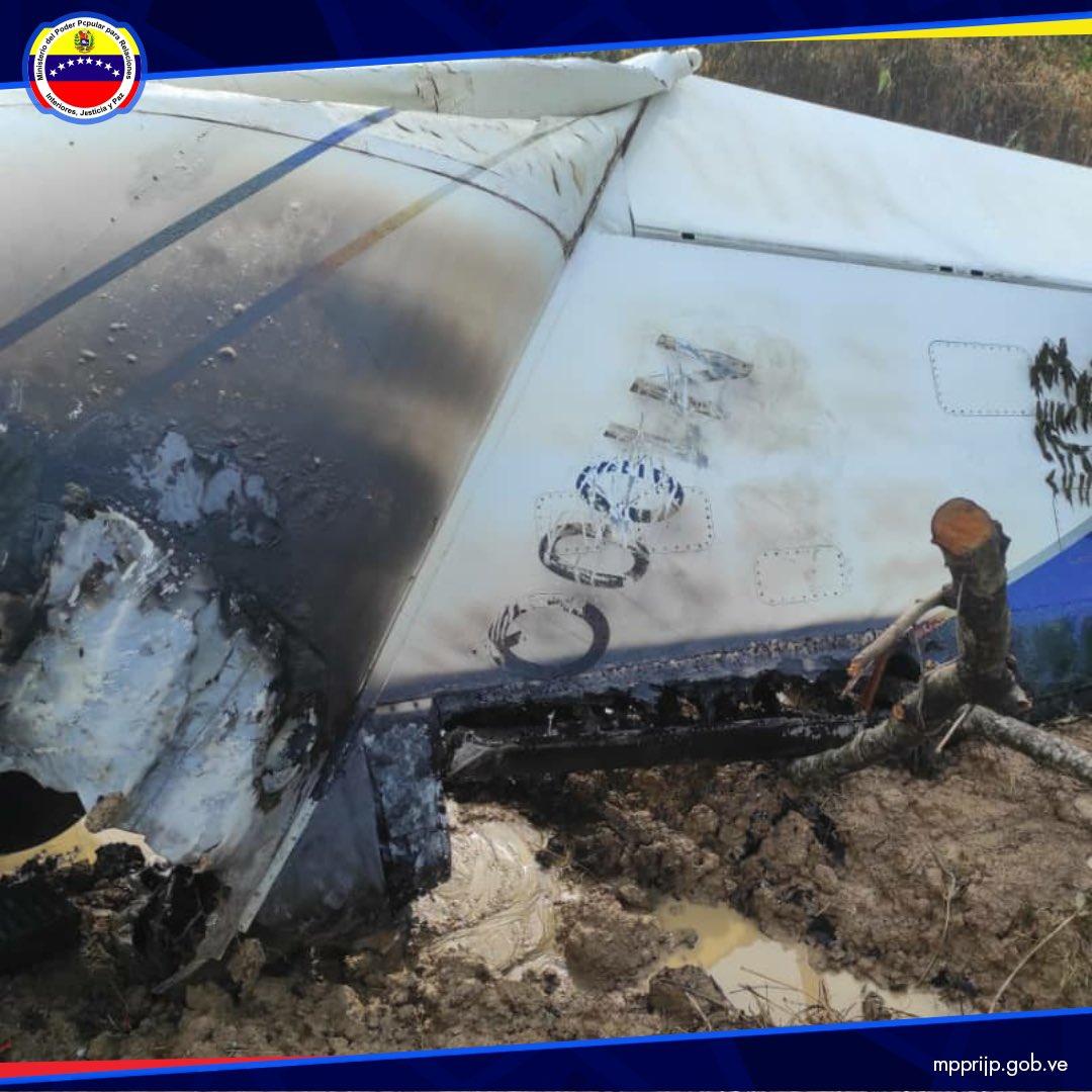 Nuestros radares de la #Fanb el día #24Sept detectaron un vuelo ilícito en el espacio aéreo venezolano, cumpliendo con los protocolos de defensa; equipos interceptores procedieron a su inutilización e iniciaron las operaciones de búsqueda por tierra https://t.co/OCsfG0ihvZ https://t.co/zcsRHLtnrL
